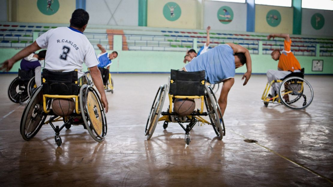 Handicap International, Algérie, handibasket